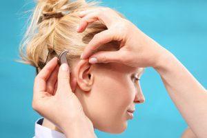 Помощь в подборе слухового аппарата