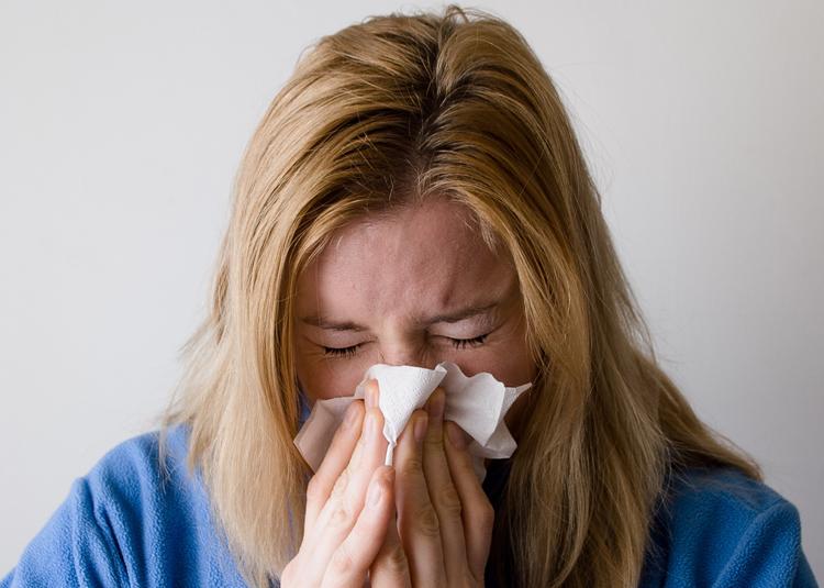 Консультация ЛОР-врача для пациентов с хроническим насморком: скидка 30% до конца июня